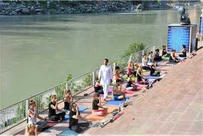 300-hour-yoga-teacher-training-rishikesh-himalayan-yoga-association