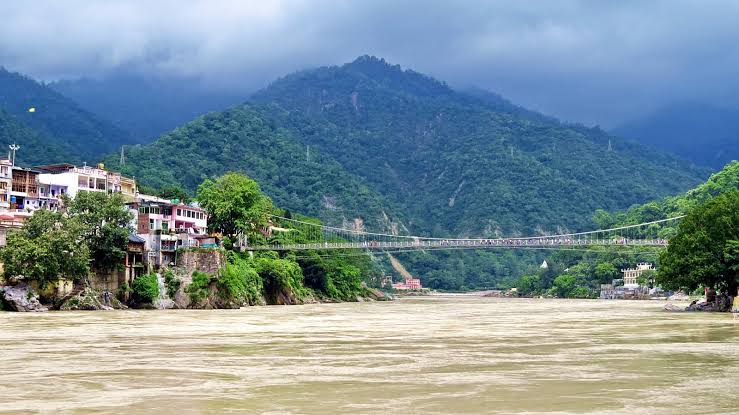 hotels in rishikesh oyo, budget hotels in rishikesh near lakshman jhula, oyo rooms in rishikesh for couples, family room in rishikesh, hostels in rishikesh, guest house in rishikesh, dharamshala near laxman jhula, camping in rishikesh