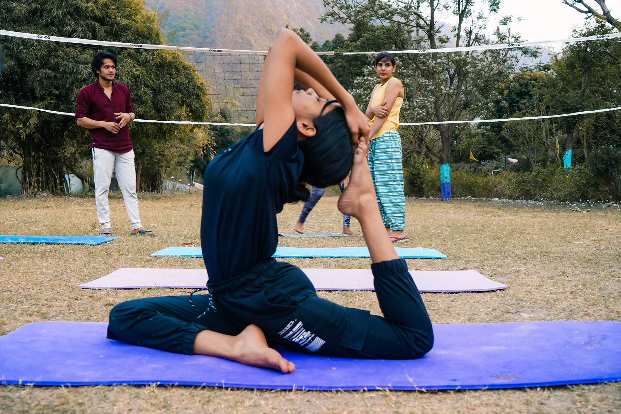 yoga helps to lose weight